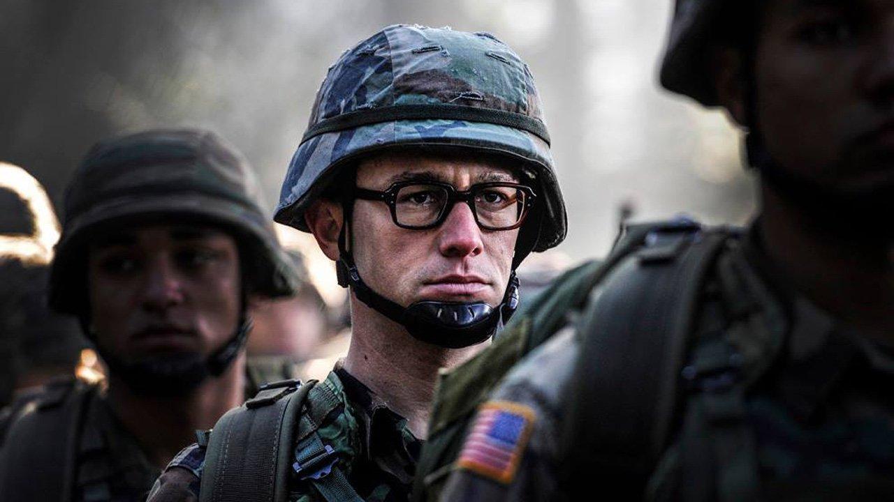 """Primeiras imagens de Joseph Gordon-Levitt no filme """"Snowden"""" de Oliver Stone"""