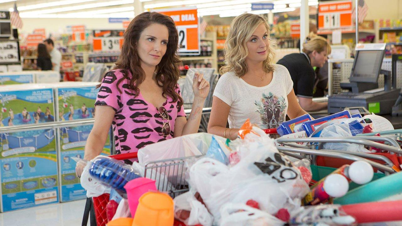 """A menina Tina e a menina Amy são como irmãs no trailer de """"Sisters"""""""