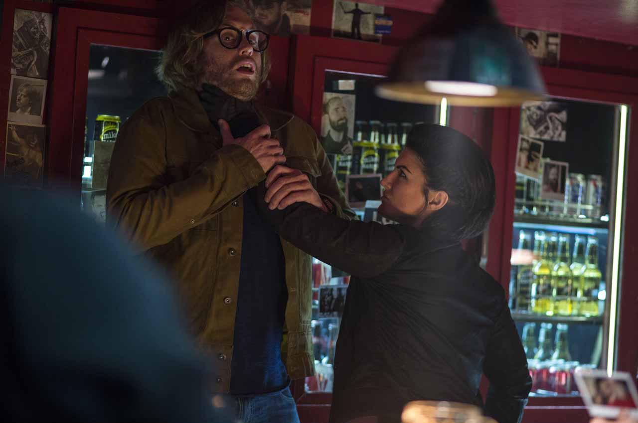 Deadpool 4/7: Angel Dust (Gina Carano) e Weasel (T.J. Miller