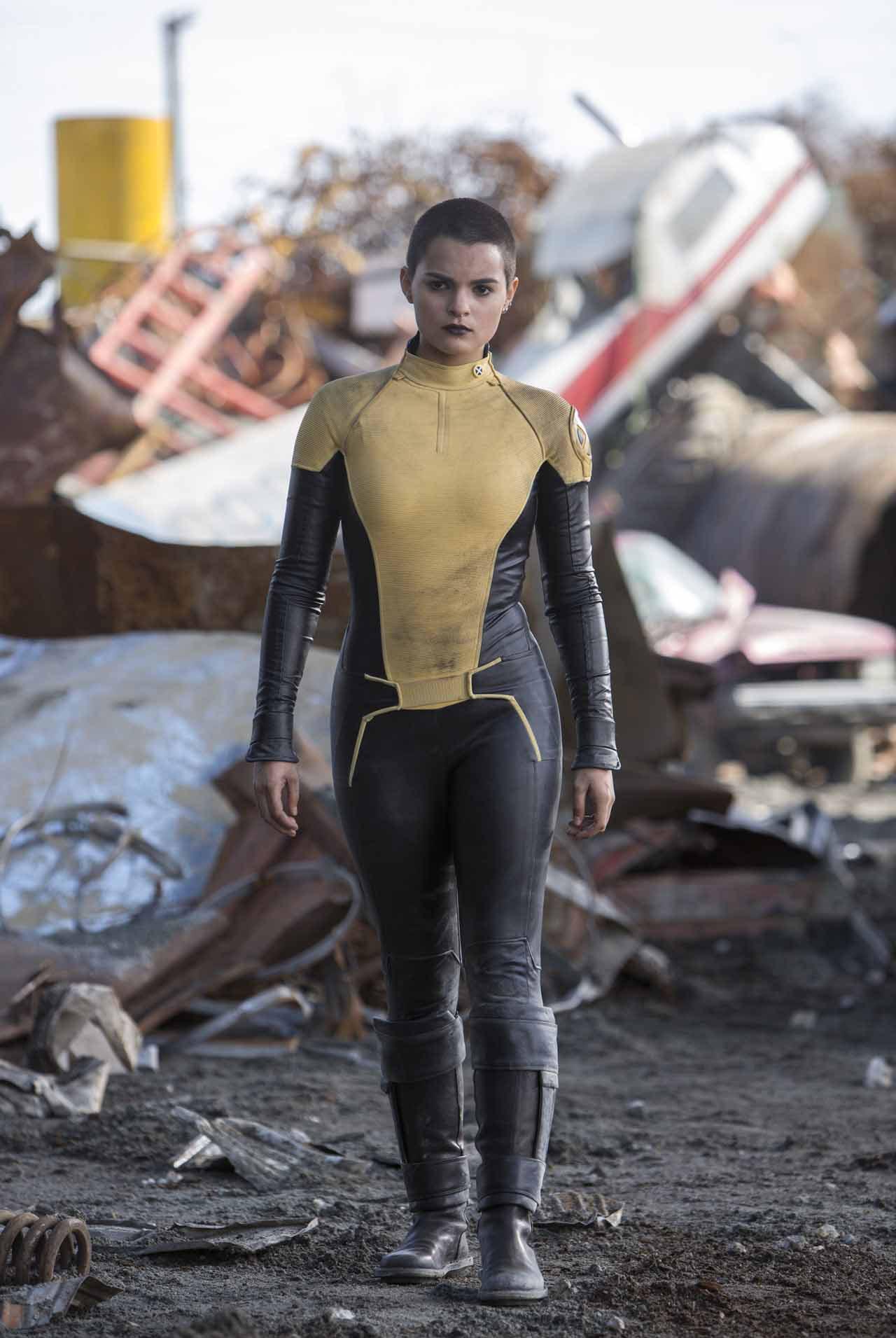 Deadpool 6/7: Brianna Hildebrand é a adolescente mutante Teenage Negasonic Warhead