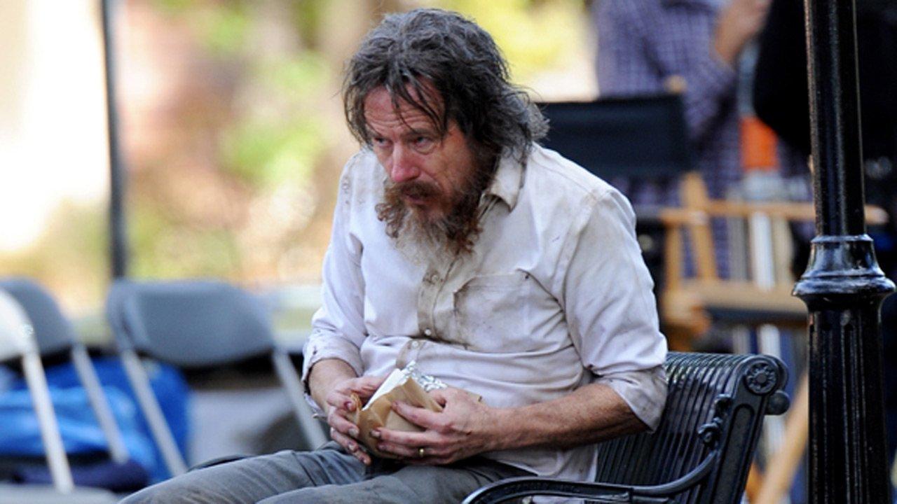 "Bryan Cranston transformado em vagabundo para as filmagens de  ""Wakefield"""