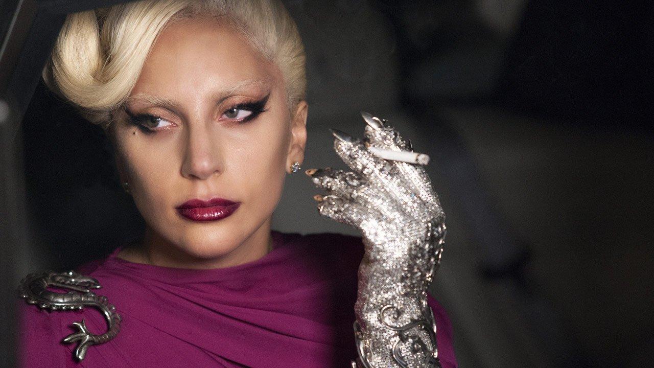 """Lady Gaga a caminho do remake de """"Nasceu Uma Estrela"""" ao lado de Bradley Cooper"""