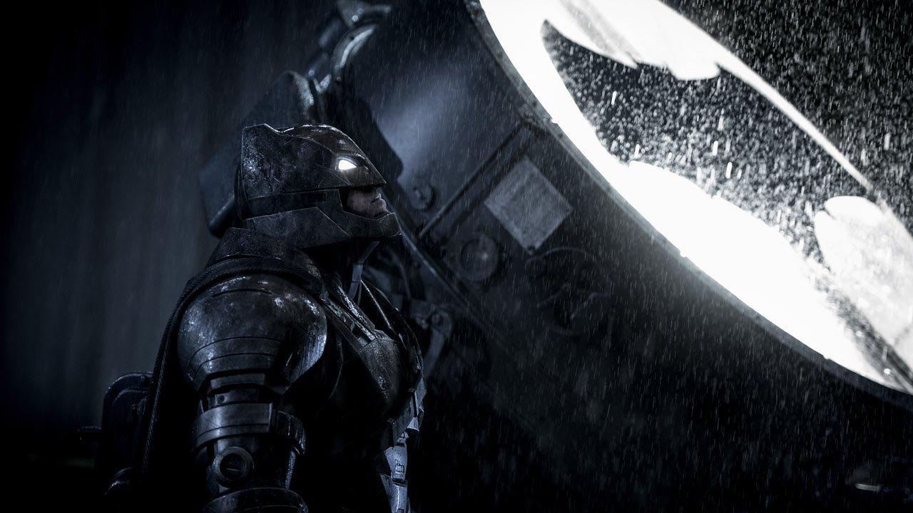 """[Terminado] Ganhe convites para a antestreia de """"Batman v Super-Homem: O Despertar da Justiça"""" no Porto"""