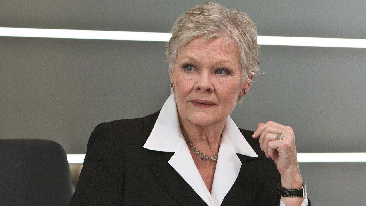 """Judi Dench volta a ser a Rainha Victória no filme """"Victoria and Abdul"""" de Stephen Frears"""