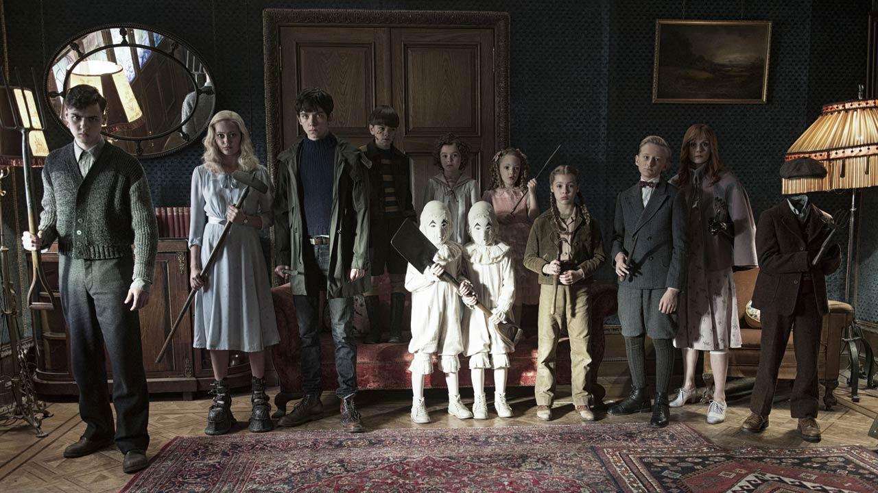 Posters e novo trailer mostram as estranhas personagens do novo filme de Tim Burton