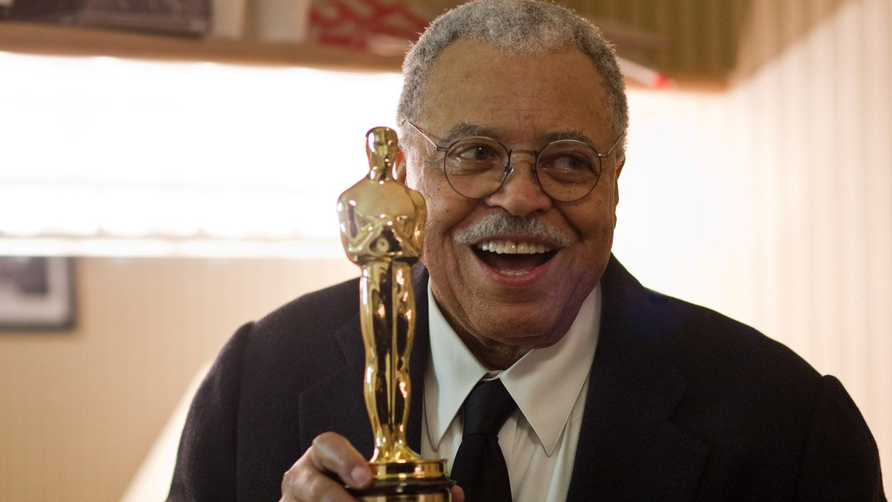 James Earl Jones volta a dar voz a Darth Vader