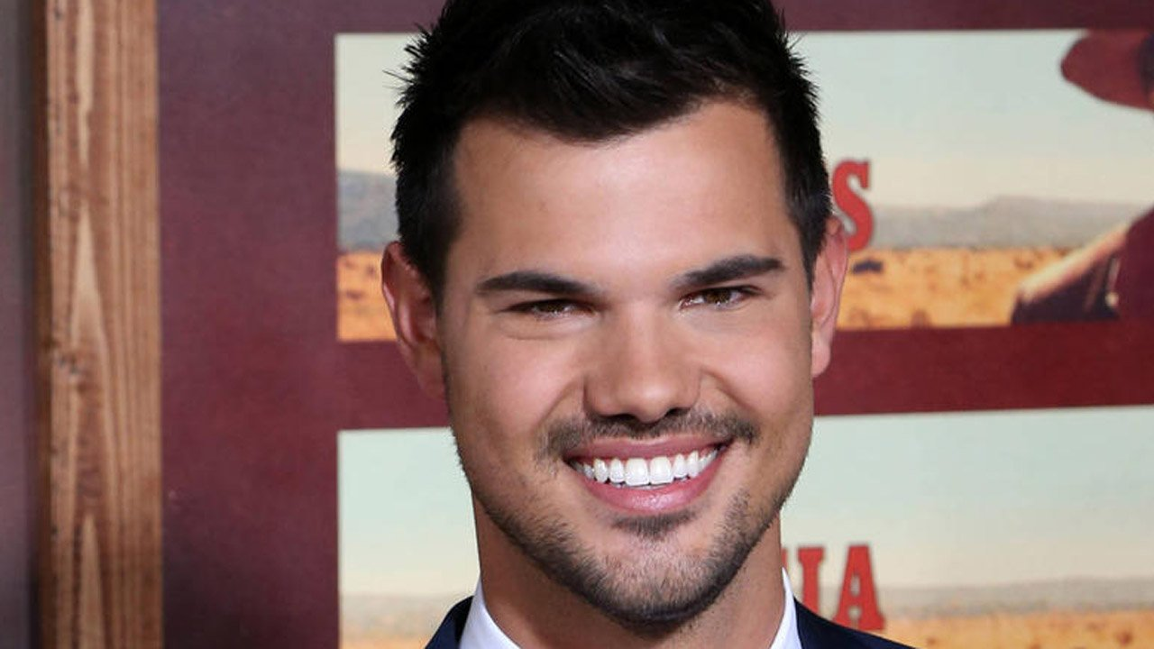 "Taylor Lautner na segunda temporada de ""Scream Queens"""