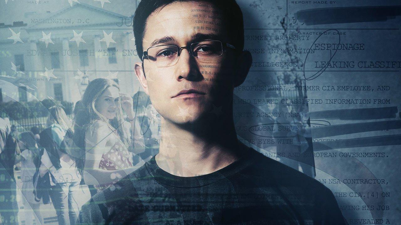 """Novo trailer de """"Snowden"""" apresentado por Oliver Stone na Comic-Con"""