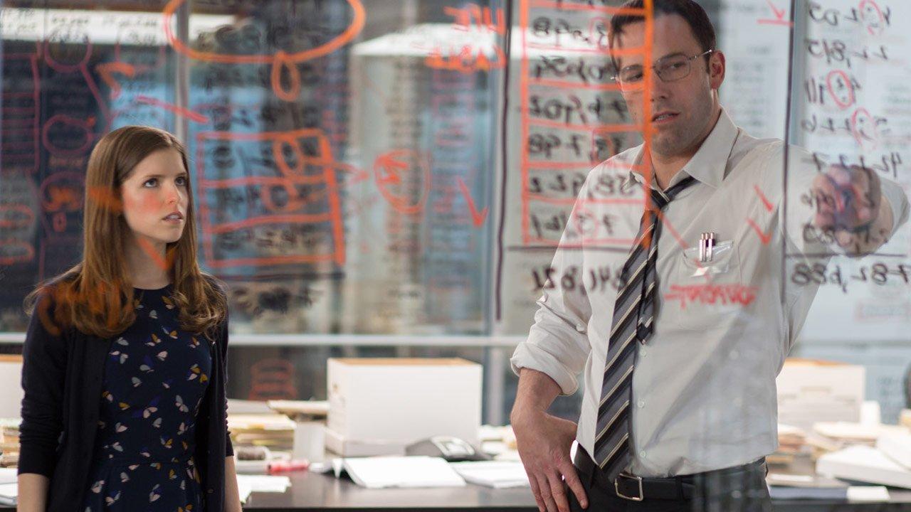 """Novo trailer de """"The Accountant"""" explica como Ben Affleck é mais do que um simples contabilista"""