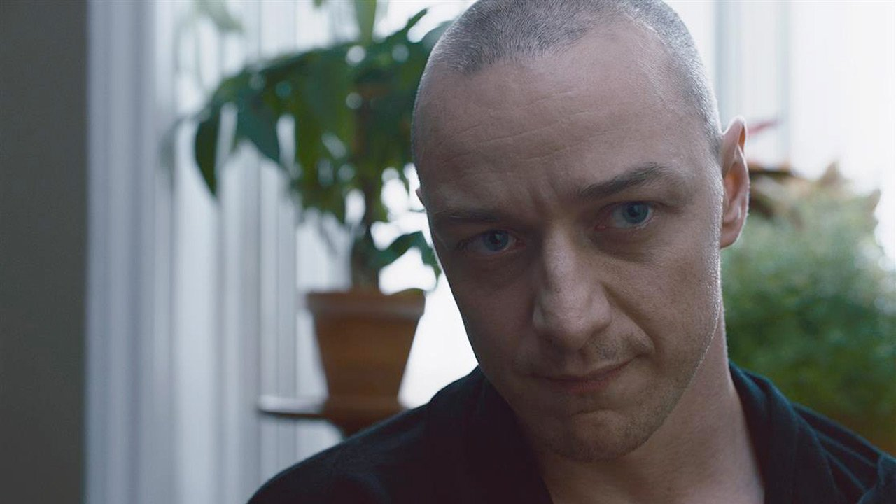 """Split"": as 23 personalidades de James McAvoy no novo thriller de M. Night Shyamalan"