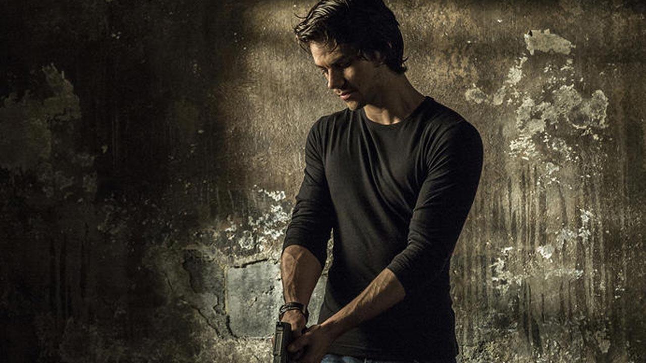 "Dylan O'Brien apresentado no papel de ""American Assassin"""