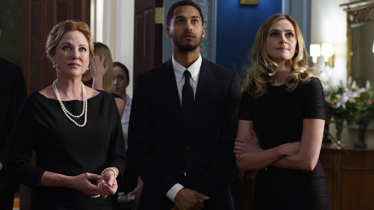 """Nova série """"American Gothic"""" estreia em Portugal no canal AMC"""