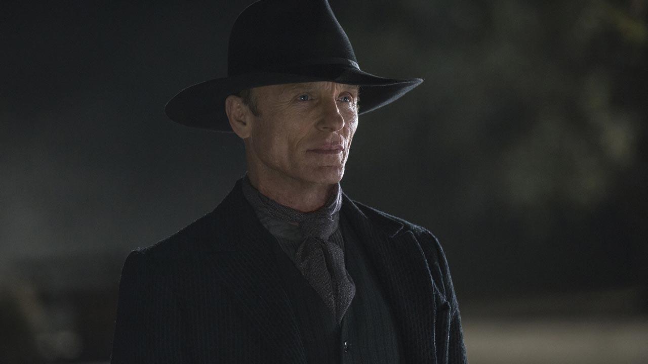 """Westworld - primeira temporada 3/7: Ed Harris é o Pistoleiro na nova série de televisão """"Westworld""""."""