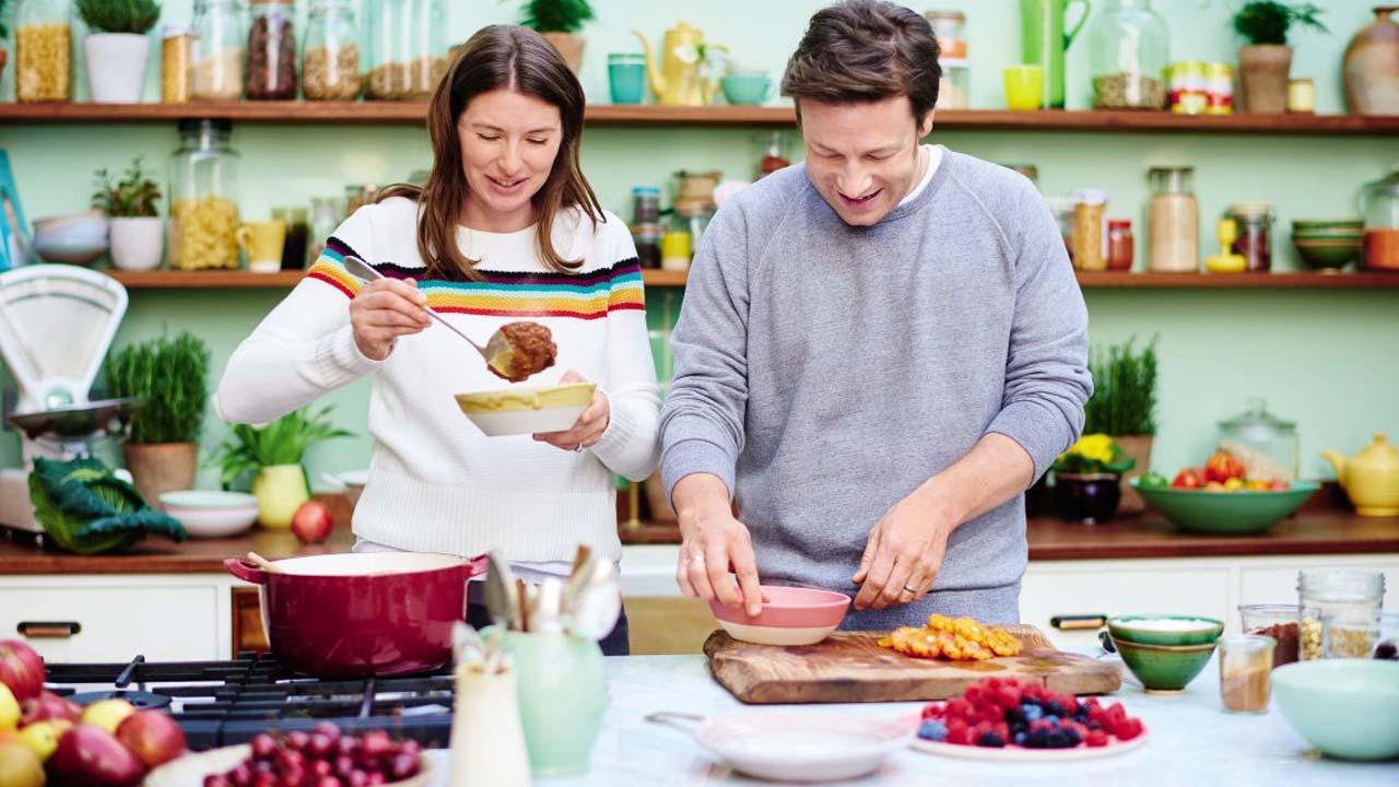"""""""Jamie Oliver: Receitas Saudáveis Para Toda a Família"""" em dezembro no 24Kitchen"""