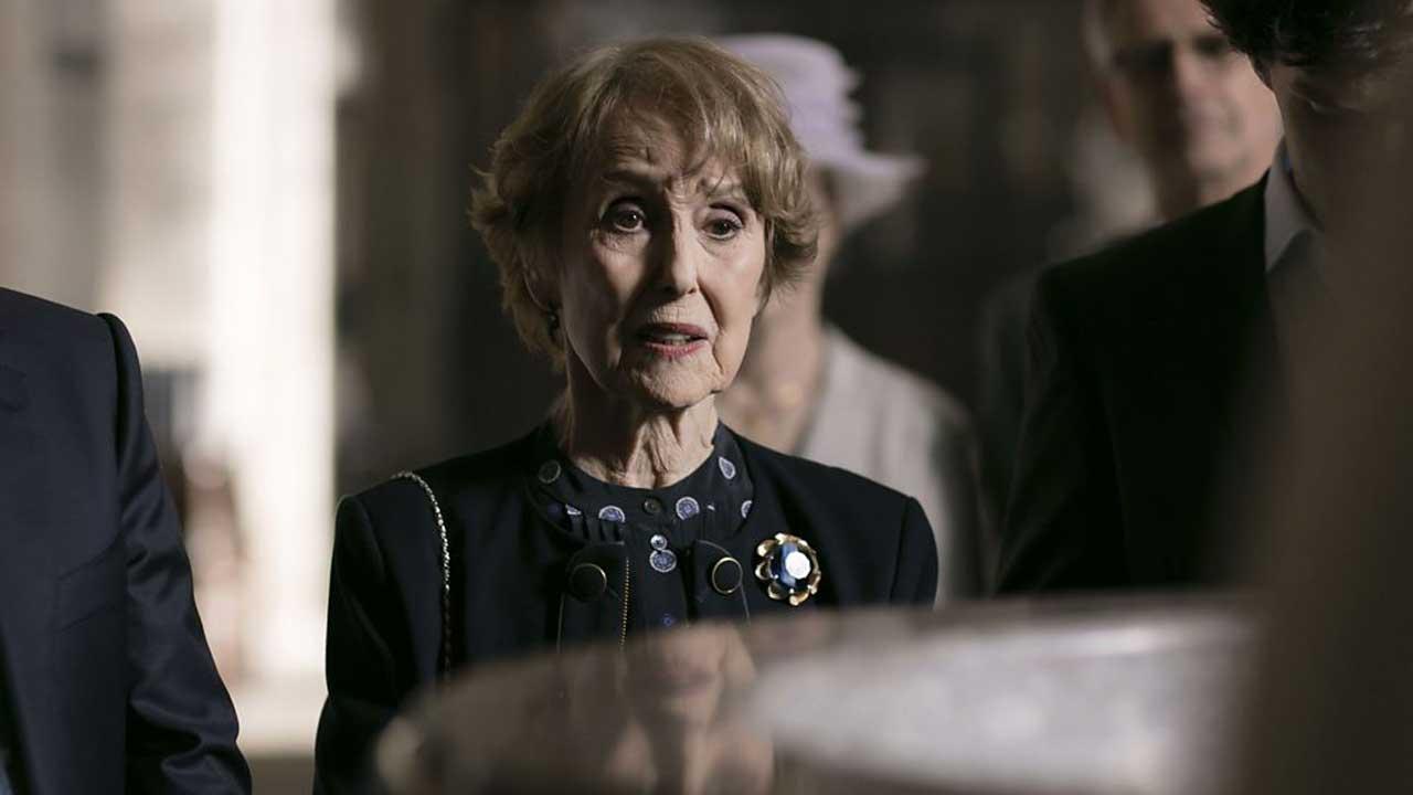 Sherlock - Temporada 4 3/5: Una Stubbs no papel da senhoria Mrs. Hudson