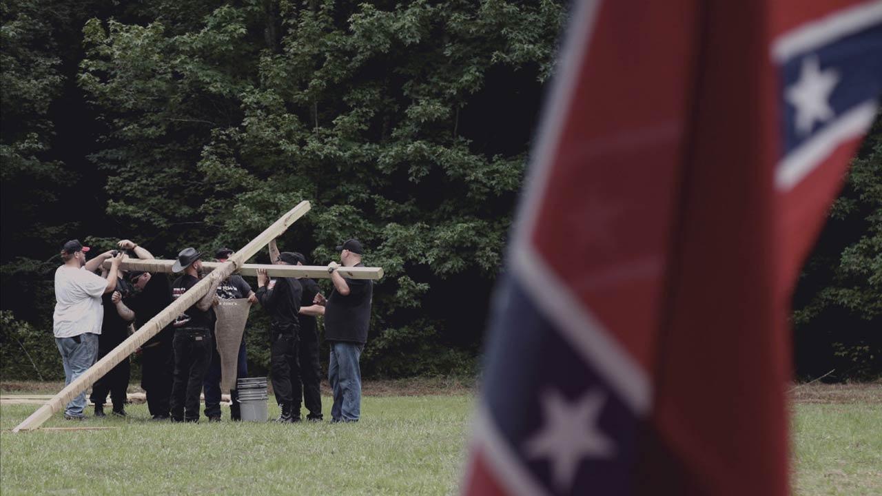 Programa sobre os racistas do Ku KLux Klan suspenso nos Estados Unidos