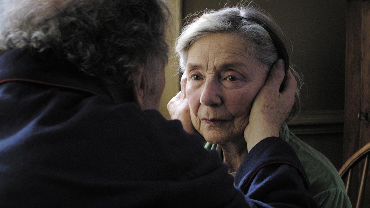 """Morreu Emmanuelle Riva - a atriz de """"Amor"""" deixa-nos aos 89 anos"""