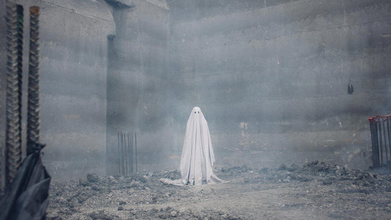 """""""A Ghost Story"""": o regresso do fantasma coberto por um lençol"""