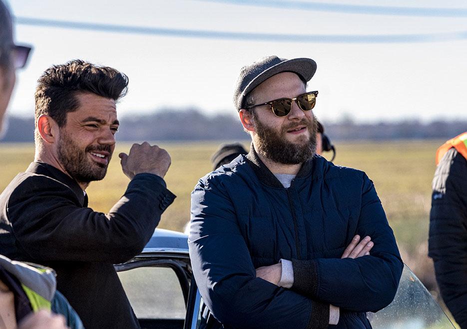 Preacher - primeiro olhar sobre a temporada 2 6/6: Dominic Cooper (Jesse Custer) e Seth Rogen (co-produtor executivo) durante as filmagens.