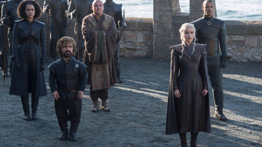 "Primeiro olhar - temporada 7 de ""A Guerra dos Tronos"" 9/15: Nathalie Emmanuel (Missandei), Peter Dinklage (Tyrion Lannister), Conleth Hill (Varys), Emilia Clarke (Daenerys Targaryen) e Jacob Anderson (Grey Worm)"