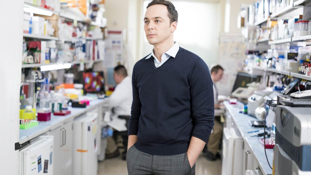 """Discovery Channel apresenta """"Primeiro em Humanos"""" com Jim Parsons - o Sheldon Cooper da série """"A Teoria do Big Bang"""""""