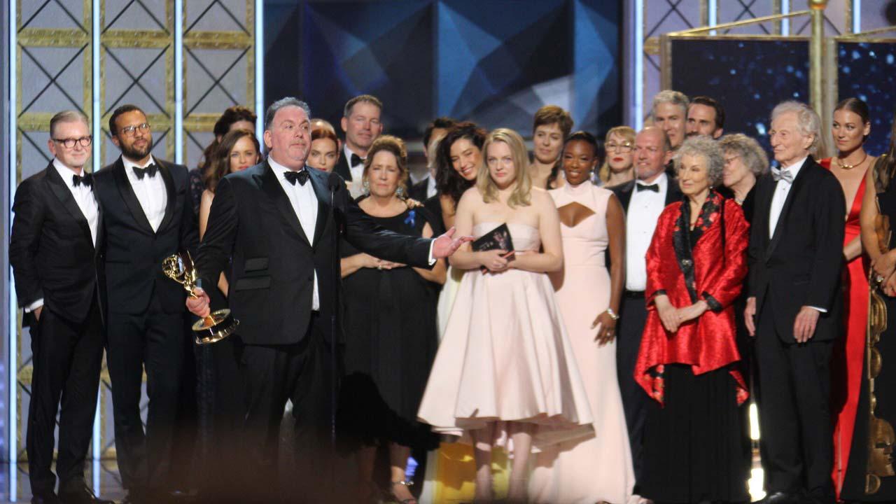 """A comédia de """"Saturday Night Live"""" domina entrega dos Emmys 2017"""