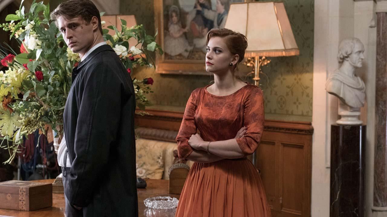 """""""A Casa Torta"""": adaptação de policial de Agatha Christie pela primeira vez no cinema"""