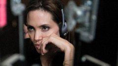 Angelina Jolie realiza filme baseado em memórias de uma sobrevivente ao regime dos Khmers Vermelhos