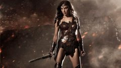 "Carta de antigo empregado arrasa Warner Bros. e ""Wonder Woman"" - realizadora reage"