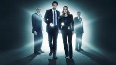"""Scully e Mulder voltam para outros 10 episódios de """"Ficheiros Secretos"""""""