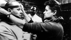 """Morreu Jonathan Demme - realizador de """"O Silêncio dos Inocentes"""" e """"Filadélfia"""""""