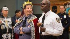 """""""Brooklyn Nine-Nine"""": mais uma série cancelada que regressa dos mortos"""