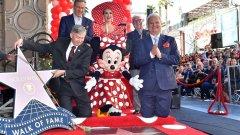 Minnie ganha estrela no Passeio da Fama em Hollywood
