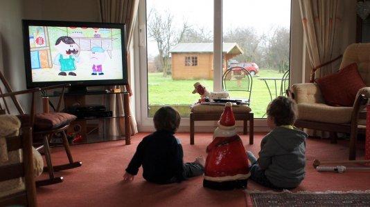 Netflix e Amazon ultrapassam oferta tradicional de televisão no Reino Unido