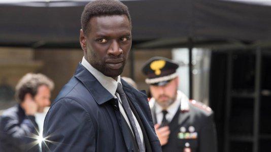 """Omar Sy de """"Amigos Improváveis"""" será o ladrão Arsène Lupin em série da Netflix"""