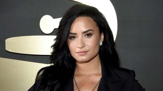 Demi Lovato no hospital - possível overdose