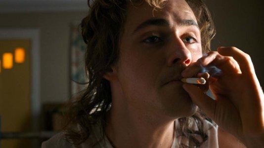 Netflix tem de pôr menos tabaco na programação