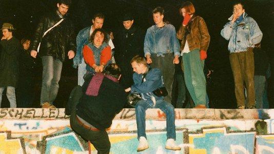 Ciclo de cinema da antiga RDA assinala o 30º aniversário da Queda do Muro de Berlim