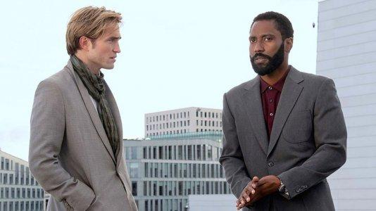 """Christopher Nolan disposto a usar """"Tenet"""" como cobaia na reabertura dos cinemas"""