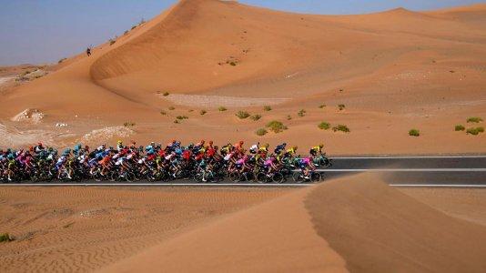 Chris Froome regressa à competição nos Emirados Árabes Unidos