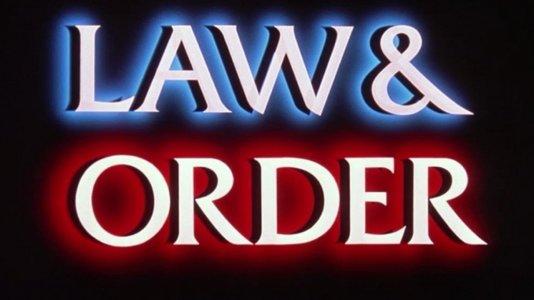 """Séries passadas em Chicago e """"Lei & Ordem: Unidade Especial"""" renovadas por mais três temporadas"""