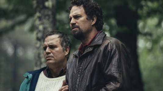 "Mark Ruffalo duplo protagonista da minissérie ""I Know This Much is True"""