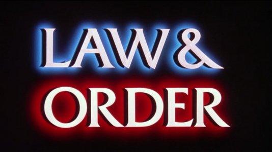 """Comentários sobre pilhagens em Los Angeles levam a despedimento na equipa de """"Lei & Ordem"""""""