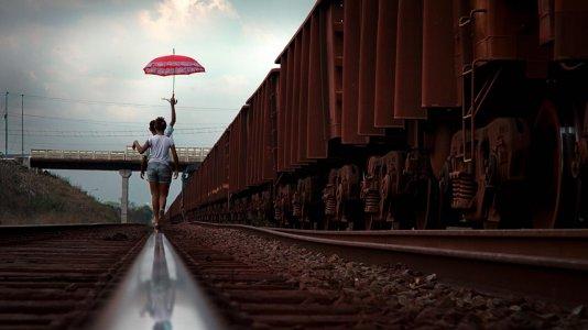 """""""Plano Sequência"""" apoia profissionais do audiovisual no Brasil através da venda de fotos de realizadores e diretores de fotografia"""