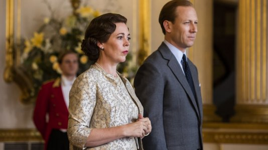 """The Crown"" volta a esticar para as seis temporadas"