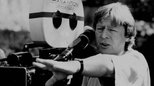 O adeus a Alan Parker - o realizador que filmava a música como ninguém morreu aos 76 anos