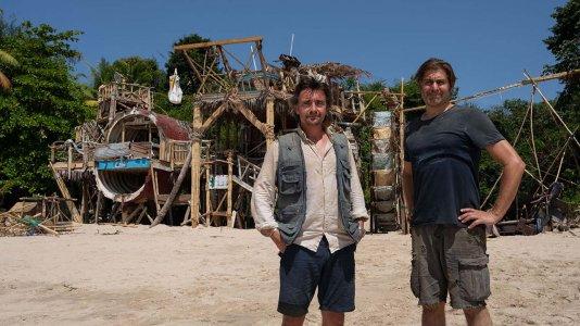 """Dois homens dão à costa numa ilha deserta - Primeiro trailer de """"The Great Escapists"""""""