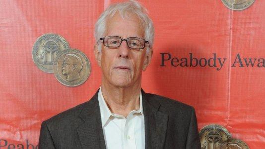 """Morreu Michael Apted - realizador de """"Gorilas na Bruma"""" e """"A Filha do Mineiro"""" tinha 79 anos"""