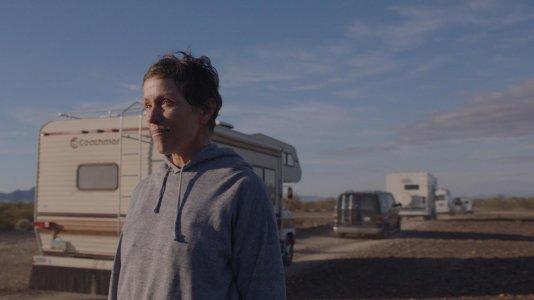 """Produtores consagram """"Nomadland - Sobreviver na América"""" como o filme do ano"""