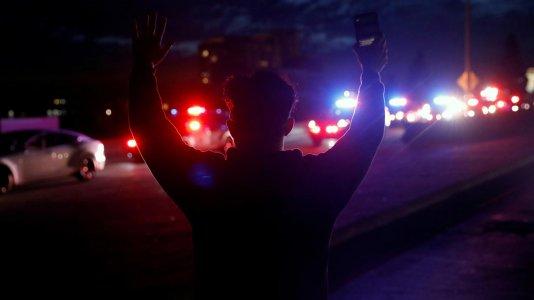 Violência policial nos EUA em análise no canal Odisseia